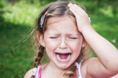 Child-headache-crying-e1451601089106